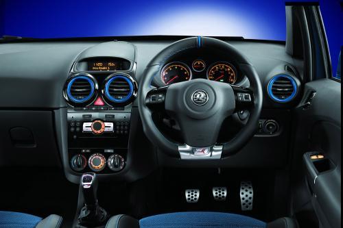 Vauxhall Corsa VXR синий