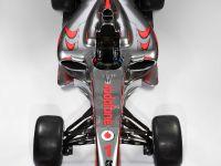 Vodafone McLaren Mercedes MP4-24, 2 of 3