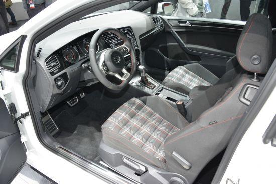 Volkswagen Golf GTI Paris