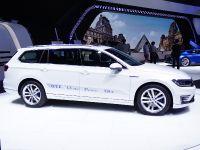 thumbnail image of Volkswagen Passat GTE Paris 2014