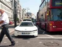 Volkswagen XL1 in London, 4 of 29