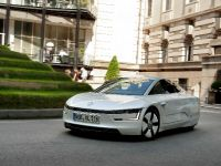 Volkswagen XL1 in London, 6 of 29