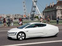 Volkswagen XL1 in London, 8 of 29