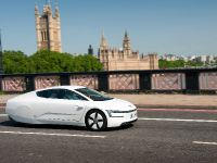 Volkswagen XL1 in London, 11 of 29
