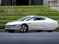Volkswagen XL1 in London, 14 of 29