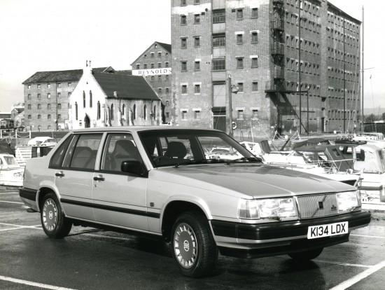 Volvo 940 saloon