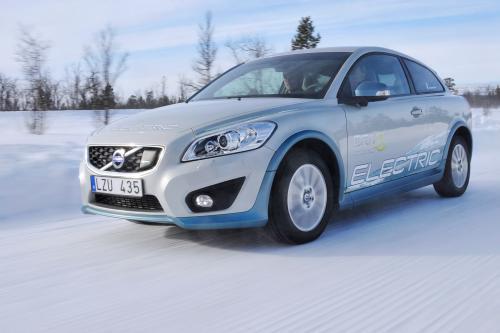Volvo C30 Electric испытания в жестоких зимних условиях