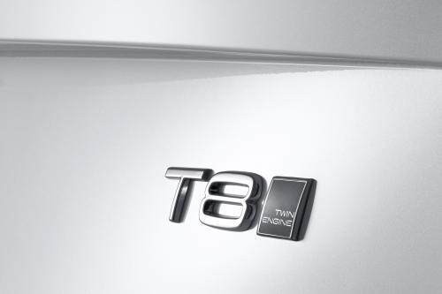 Вольво XC90 быть обусловлен Т8 образный Двигатель