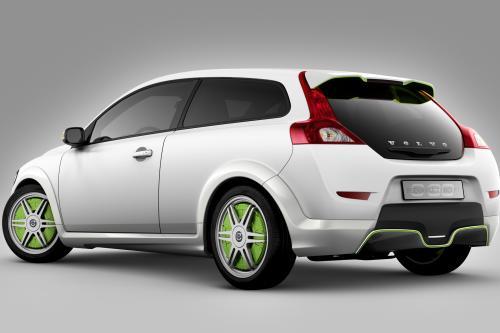 Новаторский plug-in hybrid - Volvo ReCharge concept