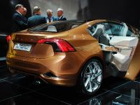 thumbnail image of Volvo S60 Concept Detroit 2009