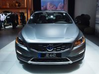 Volvo S60 Cross Country Detroit 2015, 1 of 2