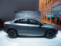 Volvo S60 Cross Country Detroit 2015, 2 of 2