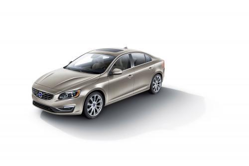 Volvo выпускает на S60 надпись роскошные модели в Детройте