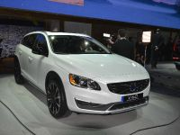 thumbnail image of Volvo V60 Cross Country Los Angeles 2014