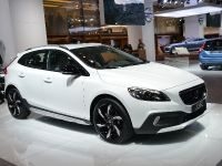 Volvo V60 Plug-In Hybrid Frankfurt 2013, 2 of 7