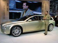 thumbnail image of Volvo Versatility Concept Car 2003