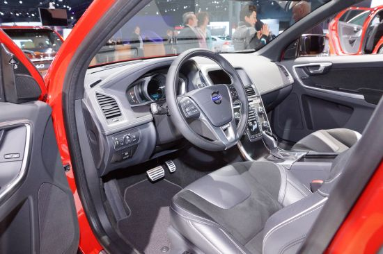 Volvo X60 R-Design New York