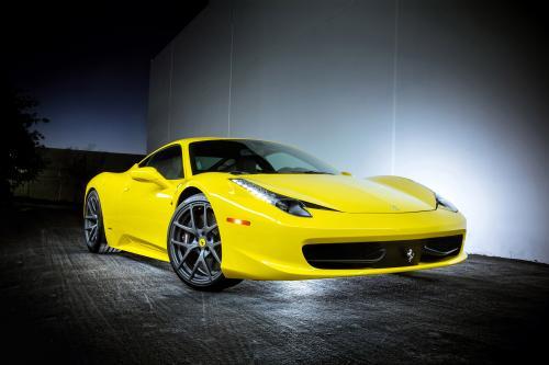 Vorsteiner Ferrari 458 Italia Излучает Совершенную Позицию В Яркий Цвет