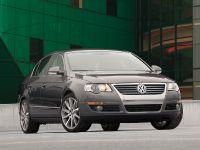 Volkswagen Passat 3.6 L, 2 of 5