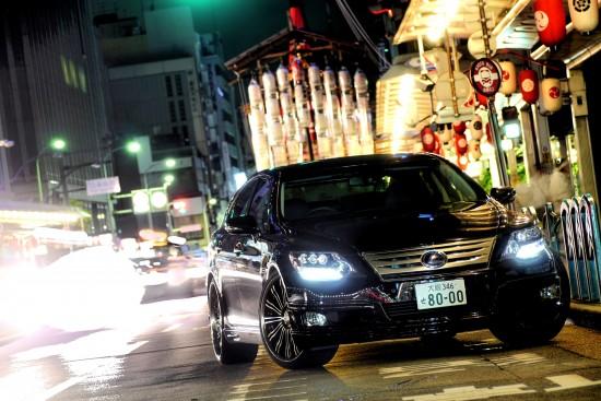 WALD Lexus LS600h Exucutive Line